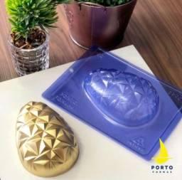 Título do anúncio: Forma Para Ovo de Páscoa 3D 350gr em 3 Partes com Silicone - Lançamento Porto Formas