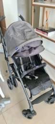 Carrinho de bebê compacto