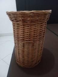 Título do anúncio: Cesto roupa suja feito de Bambu