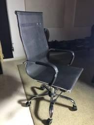Cadeira presidente giratoria cromada