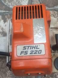 Roçadeira Stihl FS 220 usada ótimo estado