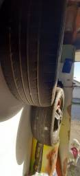 Vendo 1 par de pneus  205-60-15