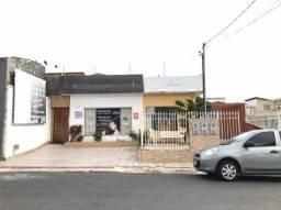 Vende-se residencial com 2 pontos comerciais na R. Ribeirópolis. Bairro São José