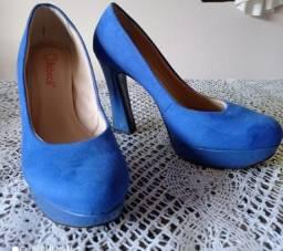 Título do anúncio: Sapato salto alto semi novo Bebece n.36