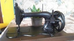 Máquina de costura Müller