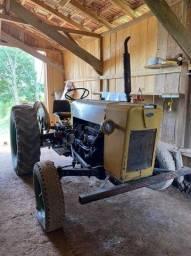 Trator + Implementos Agrícolas