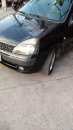 Clio Hatch completam - 2004