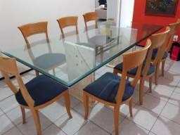Conjunto mesa de jantar com base de marmore e tampo de vidro + cadeiras