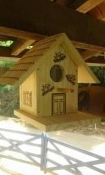 Casinha de passarinho em madeira pirografada