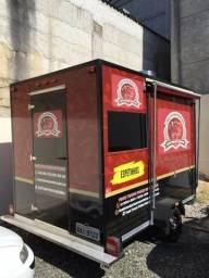 Food trailer de espetinhos e hamburgueres