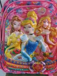 Vendo mochila das Princesas.