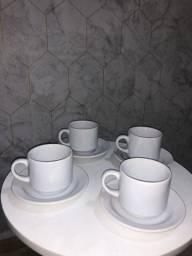 Jogo de xícaras porcelana branca