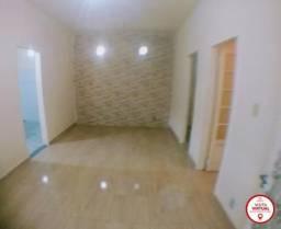 Casa - VILA ROSALI - R$ 750,00