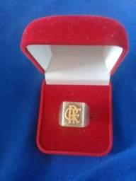 Anel com símbolo do Flamengo