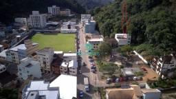 V.E.N.D.O Prédio em frente a praça Domingos Martins