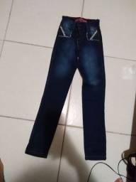 Calça jeans infantil de 6-8 anos nova nunca usada