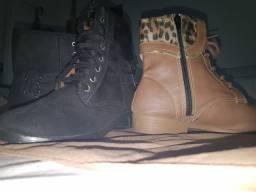 Duas botas femininas tamanho 36