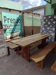 Mesa de madeira maciça com banco (novas) venha conferir