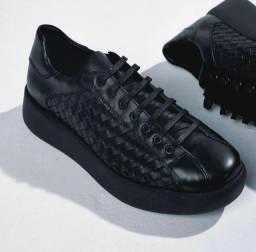 Sapato Homem com sapato