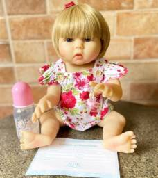Bebê Reborn Loira Olhos Azuis toda em Silicone realista Nova Original Aceito Cartão)