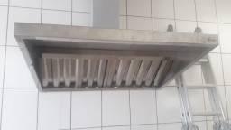 Coifas com filtros em inox, dutos e conexões