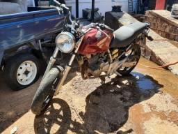 Título do anúncio: Troco moto por material de lava jato