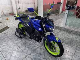 Moto Yamaha 250 cc