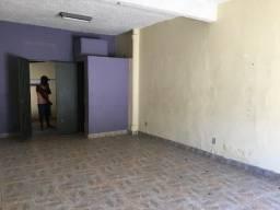 Título do anúncio: Alugo espaço para loja, depósito ou oficina em SG perto do Clube Tamoio