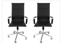 Título do anúncio: Kit 2 Cadeiras Presidente na cor preta nova nova na caixa comprei e não gostei