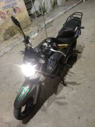 Vendo moto Fazer 250 cilindradas