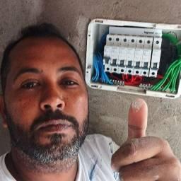 Eletricista predial e industrial em geral
