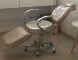 Título do anúncio: Vendo cadeira reclinável e mocho sela