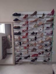 Vendo ou troco loja de sapatos completa, mais de 400 calçados R$10.000,00.