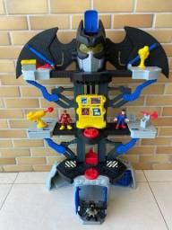 Batcaverna do Batman importada 70cm com bonecos imaginext