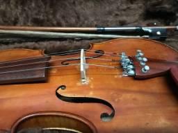 Violino europeu antigo