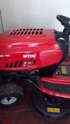 Trator cortador de grama MTD