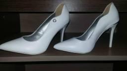 Vende-se sapato Carmen Steffans