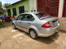 Vendo carro Fiesta Sedan flex 1,6 - 2007