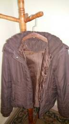 Linda jaqueta feminina tamanho p toda forrada por dentro gola em lã