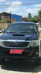 Conheça agora o carro de quem realmente tem Zêlo por carro. Hilux 12/12 - 2012