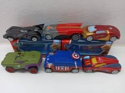 Coleção 06 Carrinhos Infantil Super Heróis Fricção Vingadores Liga da Justiça