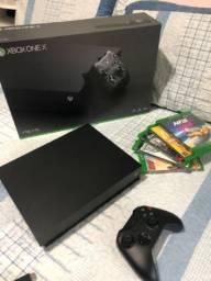 Microsoft XBox One X 1TB na caixa + 10 Jogos
