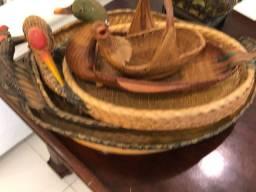 Conjunto de cestos de palha ovais pato