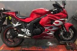 Vendo moto esportiva