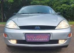 Ford Focus Guia Sedan 2002/2002 Completo mais Teto Solar