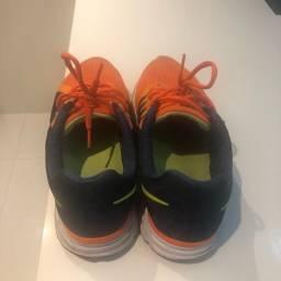 Tênis Nike Vomero 9