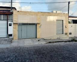 Casa em Mangabeira 2, 2 Quartos + ponto comercial