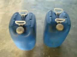 Galões de 50 litros