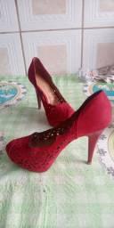 Lindo sapato vizzano vermelho