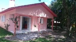 Alugo casa de 3 quartos em Arambaré